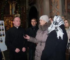 Березовый крест из Луганщины во львовском храме