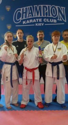 Луганчанка Карина Янчук завоевала две медали на Кубке Украины по карате среди спортсменов с нарушением слуха