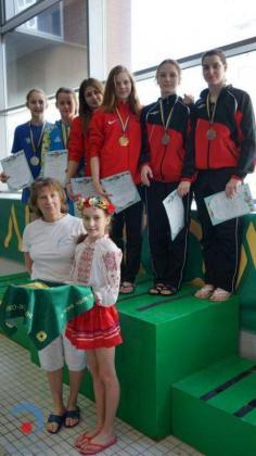 Первое общекомандное место и 28 медалей привезли наши спортсмены со всеукраинского первенства по прыжкам в воду