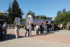 Лисичанские активисты публично призвали Шилина открыть правду по делу младшего сына