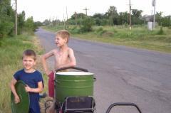 Жители района РТИ третий месяц выживают без воды