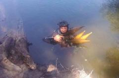 Пиротехники во время разминирования подняли с реки Айдар целый арсенал боеприпасов