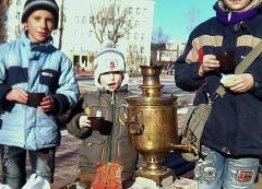 Чаепитие в новогоднем сквере Гоголя