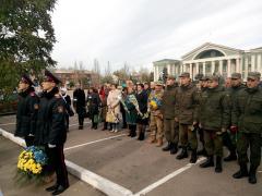 День захисника України у 2016 році святкується під гаслом «Українські військові – основа незалежності та безпеки нашої держави»