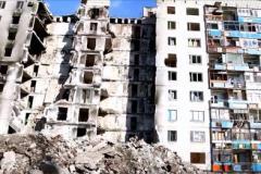 В Лисичанске жильцы разрушенного дома получили первые выплаты