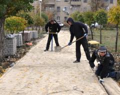 Продолжаются работы по благоустройству сквера имени Николая Гоголя