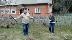 Земляки спасают Луганский домик в Пирогово