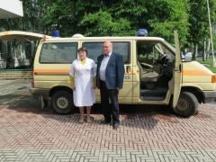 У Лисичанську Сергій Жадан передав авто швидкої допомоги лікарні