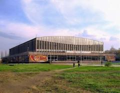 Аграрна партія вимагає зупинити рейдерське захоплення Льодового палацу у Сєверодонецьку