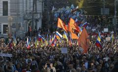 Десятки тысяч россиян вышли на Марш мира