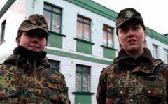 Из луганского евромайдана в добровольцы. Жизнь двух девчонок