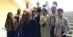Геннадий Москаль вручил награды выдающимся землякам