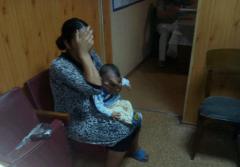 Северодонецкие правоохранители оказали помощь женщине, которая попрошайничала с младенцем на руках