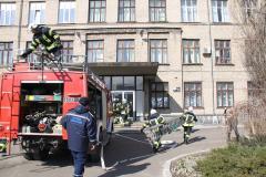 """В Северодонецке спасатели """"потушили"""" административное здание Национальной полиции"""