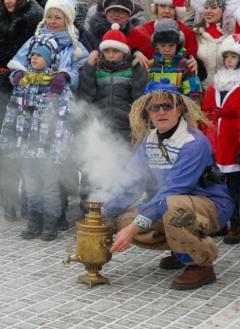 Новогоднее чаепитие в сквере Гоголя состоялось