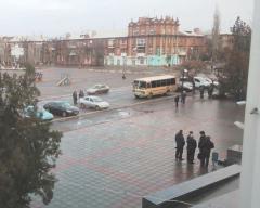Сессия Северодонецкого горсовета: 2 автобуса автоматчиков, …бюджет, земля и программы