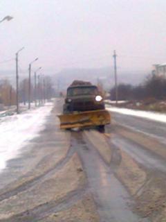 Незважаючи на люті морозі,  працівники  дорожники забезпечують  проїзд по всім дорогам