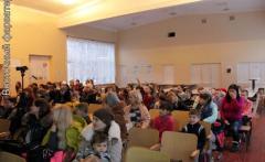 В Рубежном радиостанция поздравила детей-переселенцев с Новым годом
