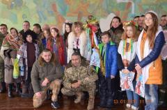 Святковий виступ-привітання із Щедрим вечором для мешканців Сєверодонецька