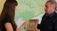 На Луганщине артистка оркестра получила первый льготный кредит на жилье