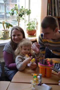 Как юные луганчане с особыми физическими потребностями отпраздновали Масленицу