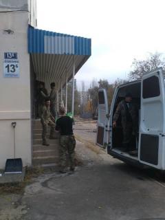 """Офіцери СІМІС допомогли переїхати організації """"Діти райдуги"""""""