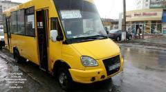 Водитель маршрутного микроавтобуса сбил 75-летнюю женщину и сбежал с места происшествия в Лисичанске