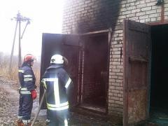 В Лисичанске загорелась электрическая подстанция