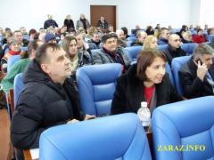 Лисичанский мэр будет получать как уборщица — депутаты дважды не захотели его премировать