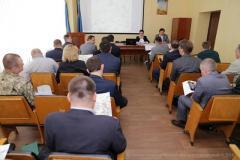 У Луганській обласній ВЦА пройшла нарадо щодо можливого будівництва гілки електропостачання для повноцінного забезпечення регіону електроенергією
